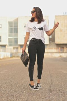 20 outfits con converse - fire away paris jeans casuales, outfits casuales mujer, ropa Cute Sporty Outfits, White Converse Outfits, Chic Outfits, Summer Outfits, Girl Outfits, Fashion Outfits, Womens Converse Outfit, Outfits Pantalon Negro, Looks Adidas