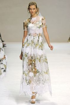 Dolce & Gabbana Spring 2011 Ready-to-Wear Collection Photos - Vogue