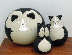 """Folk Cat Family Gourds by """"Gourds By GertsKid"""""""