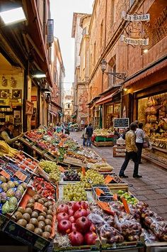 Pescherie Vecchie, Bologna Dream life would be to get to shop here each day for dinner ingredients! Via Pescherie Vecchie - Bologna, ItalyDream life would be to get to shop here each day for dinner ingredients! Via Pescherie Vecchie - Bologna, Italy Places Around The World, Oh The Places You'll Go, Places To Travel, Places To Visit, Vacation Places, Places In Italy, Toscana, Bologna Italy, Italy Tours