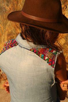 Guipil Desert Sun Sleeveless Shirt