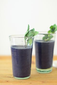 Blueberry, Almond & Ginger Smoothie   Camille Styles