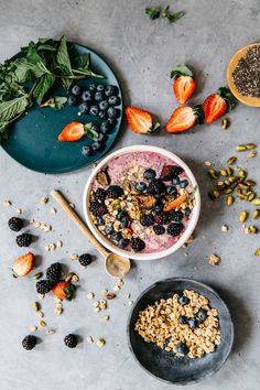 photos by kristen kilpatrick Now that I'm eating breakfast more often, I'm faced with a new conundrum: how to make my morning meal healthy, quick, and most importantly, not boring. Since smoothies ...read more
