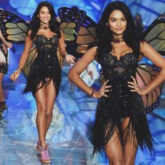 The Beautiful Shanina Shaik during Exotic Butterflies section at the Victoria's Secret Fashion Show 2015! #shaninashaik #victoriassecret #vsangel #vsfashionshow #beautiful