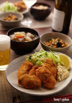Japanese Fried Oyster カキフライ the real japan, real japan, japan, food, drink, japanese food, japanese drink, sushi, okonomiyaki, sashimi, kobe beef, asahi, ebisu, sapporo, curry rice, crab, coffee, tea, matcha, green tea, tea ceremony, soba, udon, ramen, noodles, japan http://www.therealjapan.com/subscribe/