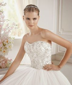 Today we are so happy to share with you our favorite numbers from the latest La Sposa Barcelona collection. Year after year, this Spanish designer house delivers a plethora of amazing wedding dresses and, to be honest, we are BIG fans! With a huge selection of gorgeous gowns, La Sposa had to brake their 2015 read more...