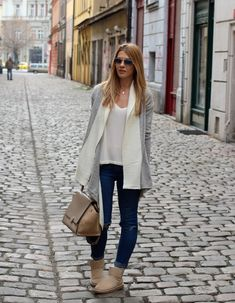 The @Czech Chicks share their street style. #UGGCityStyle