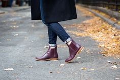 Chelsea Boots and wool overcoat from Everlane —$235 (http://www.readingmytealeaves.com/2015/11/a-wool-overcoat-from-everlane.html)