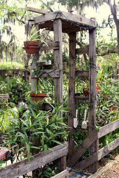 New House Entrance Outdoor Trellis Ideas Garden Entrance, Garden Arches, Garden Arbor, Garden Trellis, Garden Gates, House Entrance, Gravel Garden, Rustic Gardens, Outdoor Gardens