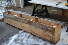 Turn Reclaimed Pallets into Planters