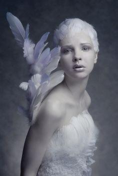 Photographer, Makeup, stylist : Agnieszka Jopkiewicz- Angel-like Foto Fantasy, Fantasy Art, Dark Beauty, High Fashion Photography, Art Photography, Photography Accessories, Landscape Photography, Modelo Albino, Faeries
