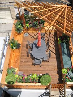 rooftop deck - built in benches, planters, and trellis (not diagonal though)