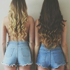 Brunette wavy hair ~~~ with slight ombre look Medium Hair Styles For Women, Hot Hair Styles, Curly Hair Styles, Shorts Casual, Shorts Negros, Cut Her Hair, About Hair, Summer Hairstyles, Hair Dos