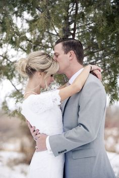 Such a sweet moment between the bride and groom | Ellie Asher Photography