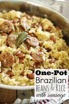Wholesome Meals Brazilian-Beans-and-Rice-with-Sausage - There are so many reasons to keep a file of one pot meals for your weeknight meals. Here are 25 one pot meals to keep your meal planning list full! Sausage Recipes, Pork Recipes, Cooking Recipes, Healthy Recipes, Family Recipes, Hotdish Recipes, Veggie Sausage, Chorizo Sausage, Chicken Sausage
