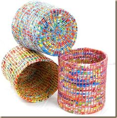 DIY: 5 ideas para reciclar bolsas de plástico Braided baskets with crochet and plastic bags, another form of recycling – spiralfoundation …. Plastic Bag Crafts, Plastic Bag Crochet, Recycled Plastic Bags, Recycled Art, Plastic Recycling, Plastic Baskets, Plastic Bag Storage, Plastic Waste, Recycled Plastic Products