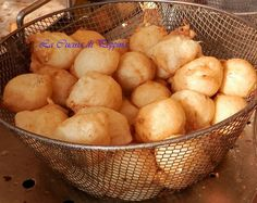 Collection and tips for hobbies Zeppole Recipe, My Favorite Food, Favorite Recipes, Vegan Recipes, Cooking Recipes, Sicilian Recipes, Sicilian Food, Salty Foods, Antipasto