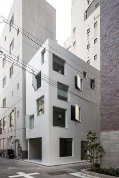 Shintaro Matsushita+Takashi Suzuki 7 is part of Modern architecture design - Shintaro Matsushita+Takashi Suzuki Photograph by Hiroyuki Hirai Architecture Du Japon, Modern Architecture Design, Minimalist Architecture, Facade Architecture, Landscape Architecture, Design Exterior, Facade Design, House Design, Small Buildings