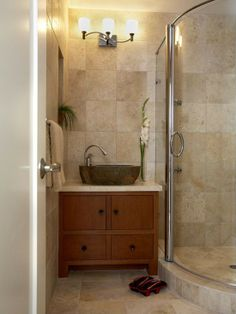 Magnificent Small Bathroom Tile Ideas of Modern Bathroom Design: Amazing Small Bathroom Tile Ideas Of Asian Bathroom With Glass Panel Door B. Asian Bathroom, Beige Bathroom, Tranquil Bathroom, Japanese Bathroom, Modern Bathroom, Bad Inspiration, Bathroom Inspiration, Bathroom Ideas, Bathroom Vanities