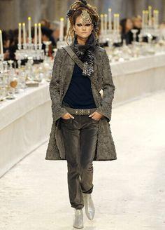 sto mettendo praticamente tutti i capi di Chanel che mi piacciono!!!!