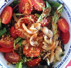 En een Salade ernaast maakt een maaltijd compleet...soms is rijst/aardappel gewoon niet nodig, smakelijke groet Tammy Wong @KookMetMij