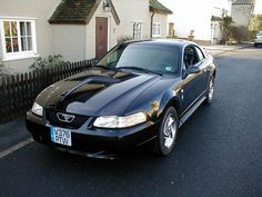 2000-ford-mustang-convertible_black-color
