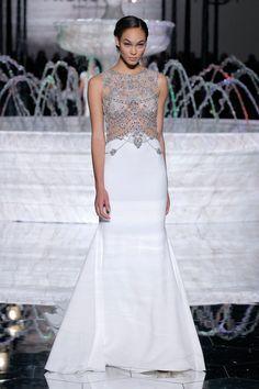Hochzeitsträume aus Barcelona: die Atelier Pronovias-Kollektion 2018 - Hochzeitswahn - Sei inspiriert! PRONOVIAS http://www.hochzeitswahn.de/inspirationsideen/hochzeitstraeume-aus-barcelona-die-atelier-pronovias-kollektion-2018/ #bride #wedding #dress
