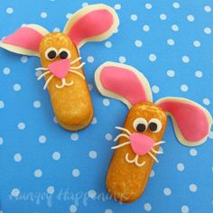 Bunny Twinkies are adorable edible Easter crafts to make with your kids!