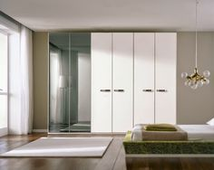 30+bright+tones+establishment+bedroom+with+white+wardrobe.jpg (600×480)