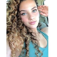 Gorgeous Eyes, Beautiful Redhead, Sofie Dossi, Curly Pixie Cuts, Dance Photography Poses, Famous Youtubers, Badass Women, Love Hair, Beautiful Actresses