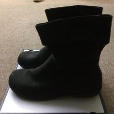 Black boots never worn These cute and comfy black ankle booties have never been worn. I have very narrow feet and these are a bit too big. They are soft on the outside. There is a small zipper on each boot, as seen in the photos. Coming from a smoke free/pet free home. Make an offer! ✨ Croft & Barrow Shoes