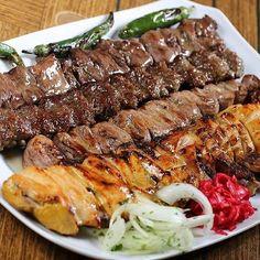 How to make Kebab Adana Iran Food, Iranian Cuisine, Arabian Food, Egyptian Food, Dinner Entrees, Cooking Recipes, Healthy Recipes, Middle Eastern Recipes, Turkish Recipes