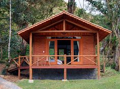 Vista Externa - Chalé 10 Prospect House, Beach Bungalows, Cabins In The Woods, Tiny House, House Plans, Sweet Home, Cottage, House Styles, Building