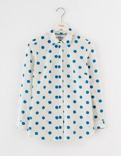 #Boden The Longer Line Classic Shirt Solstice Blue Spot #Our classic shirt is also available with a longer length hem. Not only that, but weve lost the pocket, slimmed the placket and refined the collar for a more modern silhouette. Now even better with your skinny jeans.