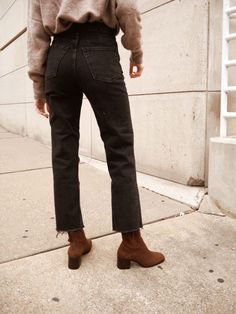 36 Ideas For Ankle Boats Outfit Jeans Casual Shoes Flare Jeans Outfit, Jeans Outfit Winter, Fall Jeans, Casual Winter Outfits, Fall Outfits, Winter Dresses, Casual Sweaters, Casual Jeans, Casual Clothes
