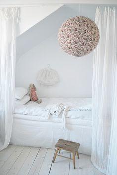 Master bedroom furniture, home furniture, contemporary furniture Home Bedroom, Girls Bedroom, Bedroom Nook, Bedroom Furniture, Master Bedroom, Couch Magazin, Deco Design, Little Girl Rooms, Fashion Room