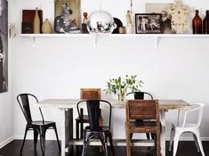 eclectic dining room with mismatched chairs and a rustic wooden dining table Sweet Home, Apartment Interior, Home Interior, Kitchen Interior, Interior Ideas, Mixed Dining Chairs, Dining Table, Dining Area, Dining Rooms