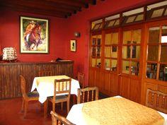 Dentro de la Casona de la Universidad Nacional Mayor de San Marcos se encuentra este simpático restaurante http://www.placeok.com/restaurante-casona-de-san-marcos/