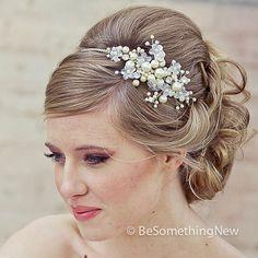 Wedding tiara big pearls image