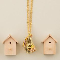 🌿🌼What's even more charming about this locket is the secret nest inside. Featuring a fresh water Pearl egg, this bird has made a house their home! Still Life Photography, Birdhouse, Fresh Water, Jewelry Collection, Nest, Enamel, Charmed, Birds, Jewellery