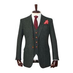 This Green Speckled Donegal Tweed Suit is a J&W exclusive. This bridges the gap between country luxury and city luxury. Midnight Blue Barleycorn Tweed Suit, exquisitely made with the highest quality tweed wool and finished with a modern look. Mens Tweed Suit, Tweed Suits, Tweed Wedding Suits, Tweed Fabric, Donegal, Midnight Blue, Suit Jacket, Classy, Style Inspiration