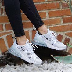 pretty nice e01b0 b8c54 tenis shoes Zapatos Bonitos, Zapatos Deportivos, Zapatillas Sneakers,  Zapatillas Mujer, Calzado Nike