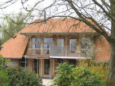 Our Michelmersh Light Vintage roof tiles combined with our Hampshire Stock ATR bricks for Applegarth in Hampshire Clay Roof Tiles, Hampshire, Bricks, Cabin, Colours, House Styles, Vintage, Beautiful, Home Decor