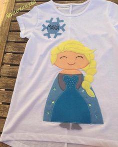 ❄️NOVEDAD❄️ Camiseta Elsa personalizada... Ella no podía faltar.... La reina del hielo... Da igual la estación del año en la que nos encontremos.... ❄️20€
