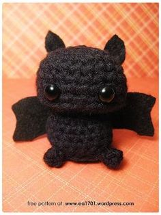 Cute Bat Amigurumi - FREE Crochet Pattern / Tutorial by kelly.meli