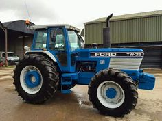 FORD TW-35 FWD Ford Tractors, Lawn Tractors, New Holland Ford, Classic Tractor, Vintage Tractors, Ford News, Heavy Machinery, Trucks, Childhood