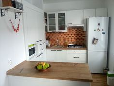 Kuchynské linky na mieru Kitchen Cabinets, Home Decor, Restaining Kitchen Cabinets, Homemade Home Decor, Kitchen Base Cabinets, Interior Design, Home Interiors, Decoration Home, Home Decoration