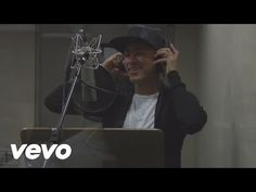 """Neymar Jr. lança o clipe """"O Amor Tá Aí"""". Confira! #Anitta, #ClaudiaLeitte, #Clipe, #Crianças, #Mundo, #Música, #Neymar, #NeymarJr, #Nome, #SãoPaulo, #Thiaguinho http://popzone.tv/2015/12/neymar-jr-lanca-o-clipe-o-amor-ta-ai-confira.html"""