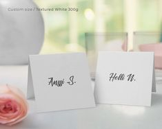 Nobody will be without a seat with place cards - they are absolutely the best party organizer! They are also a great way to decorate the table. Many paper options! Party Organisers, Best Part Of Me, Place Cards, Place Card Holders, Organization, Paper, Table, Decor, Products