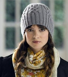 -^^- FREE HOW TO pattern -  knit a warm hat with cables, love this one.